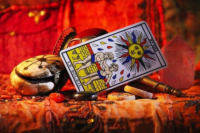 Le sens mystérieux des cartes de tarot de Marseille.