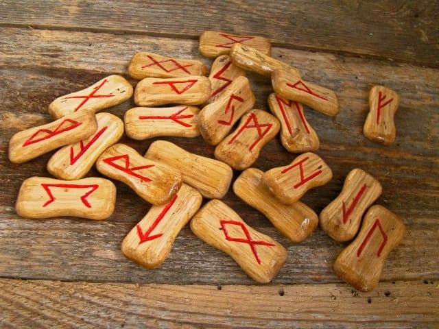 Significations détaillées des runes