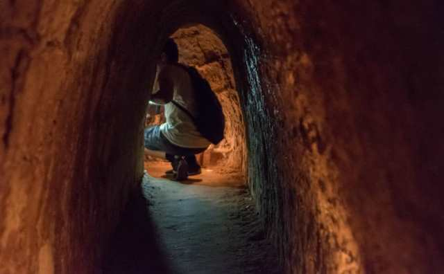 rêver de ramper dans un tunnel
