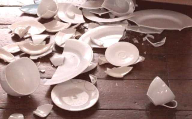 rêver de vaisselle cassée signification